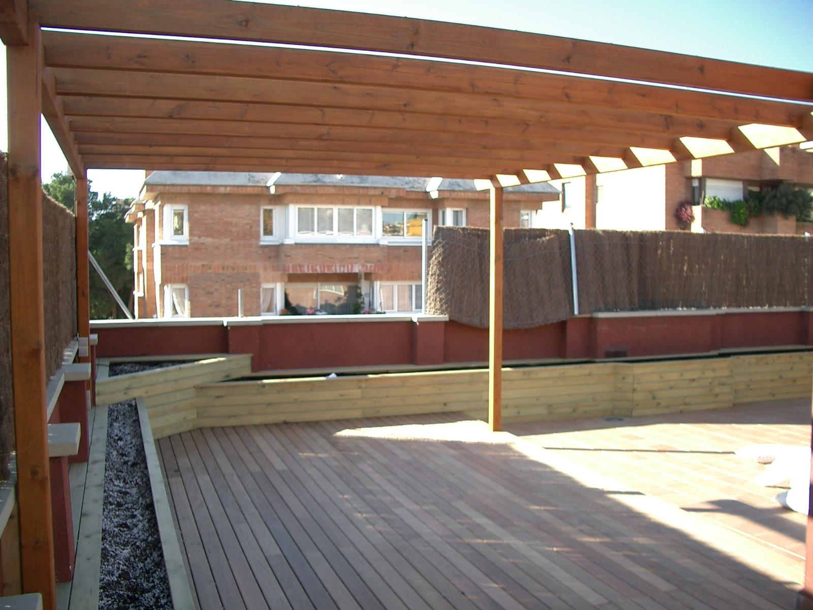 Madera para exterior landshaft empresa de paisajismo for Jardineras modernas exterior