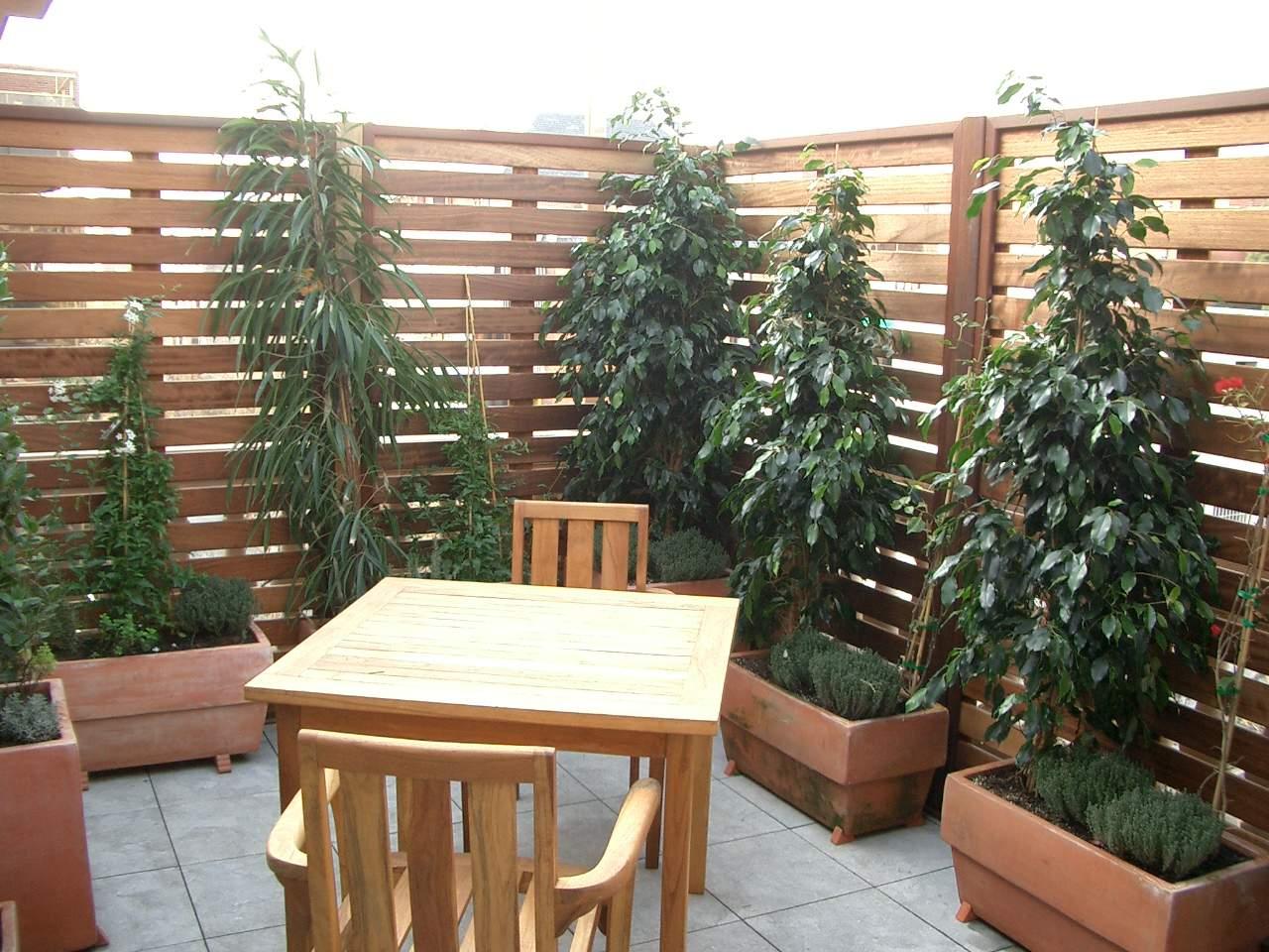 Madera para exterior landshaft empresa de paisajismo for Celosia de madera para jardin