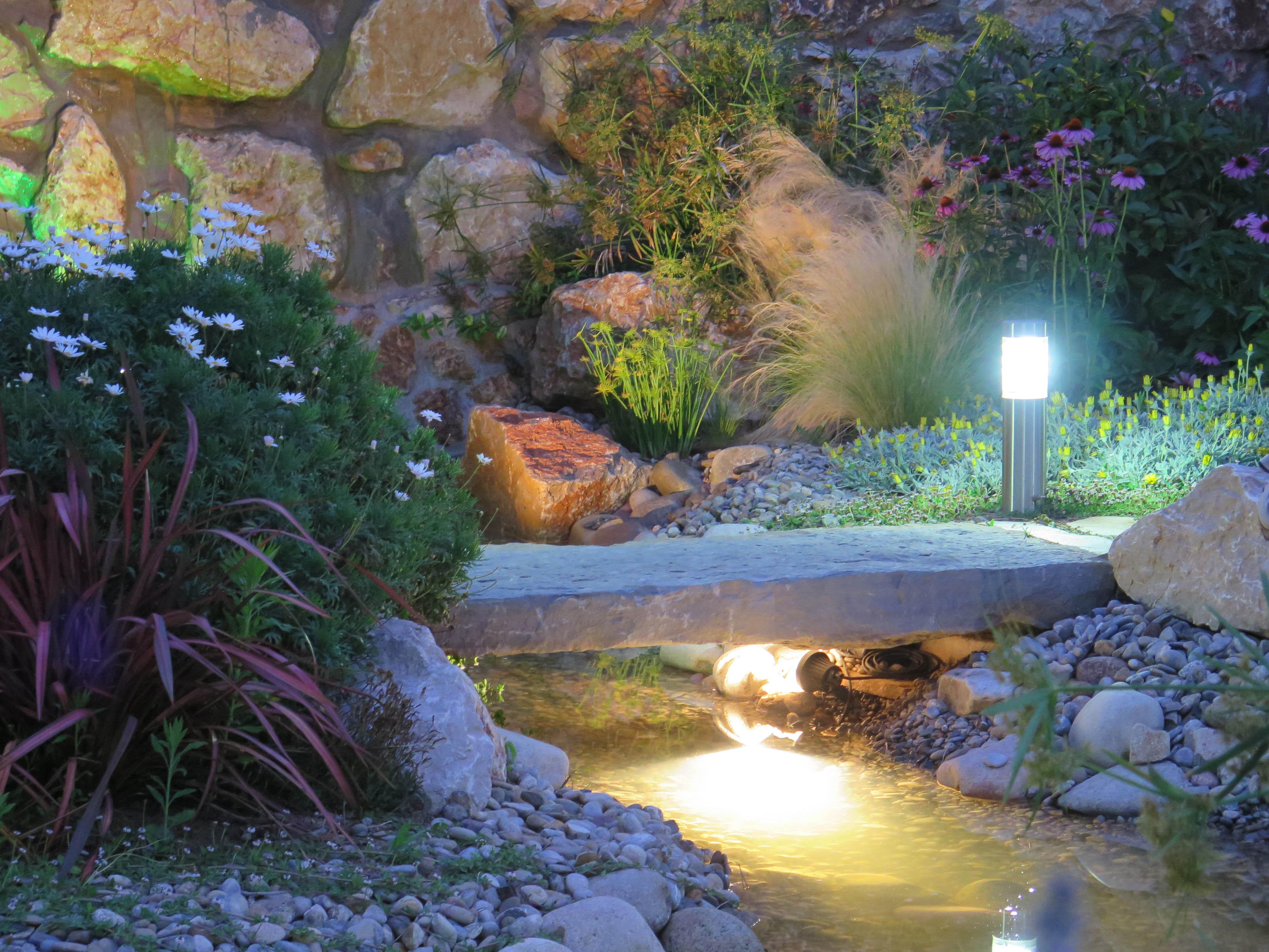 Sistemas de iluminaci n y sonido exterior landshaft for Peces para fuente exterior