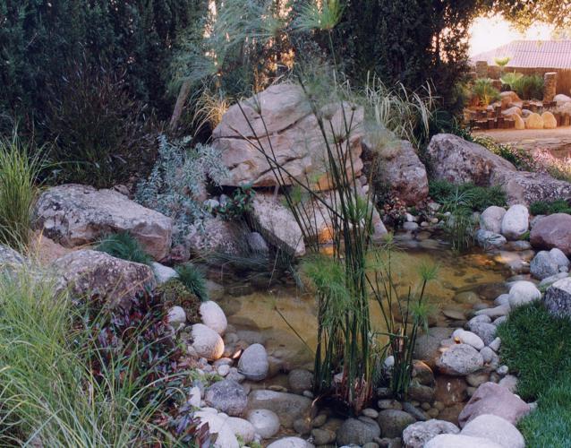Juegos de agua (estanques, cascadas...)