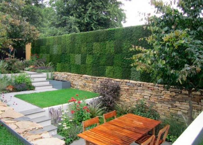 Fachadas con jardines verticales for Ideas para jardines verticales